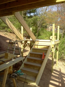Framing the stairs... still no screw or nail holes
